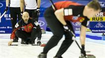 Mit einem 12:4-Sieg gegen Südkorea fangen sich die Schweizer Curler in Basel auf.