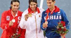 Fernando Gonzalez, Rafael Nadal und Novak Djokovic auf dem Podest.