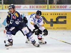 Ambris Eric Westrum gegen Fribourgs Alain Reist.