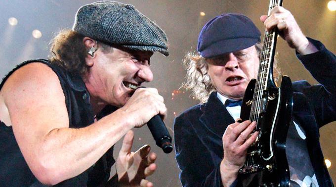 Sänger Brian Johnson und Lead-Gitarrist Angus Young.