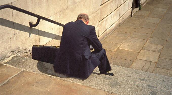 Die arbeitslosen Amerikaner erhalten pro Woche durchschnittlich etwa 300 Dollar.