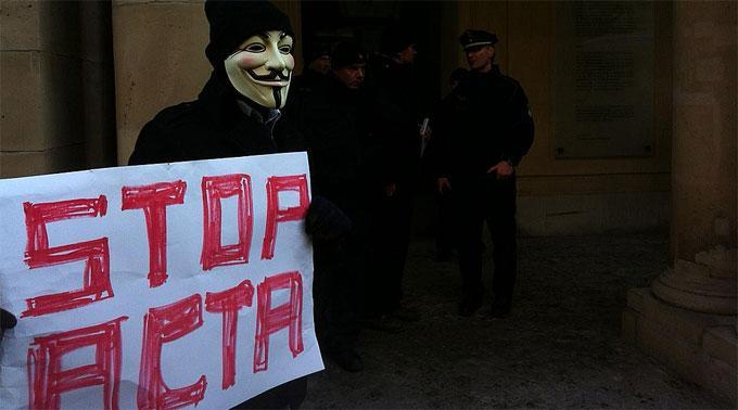 EU-Parlament stoppt ACTA-Abkommen aus Sorge über Internet-Zensur.