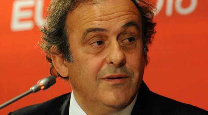 Michel Platini lässt nicht locker.