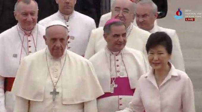 Papst Franziskus' Ankunft in Seoul.