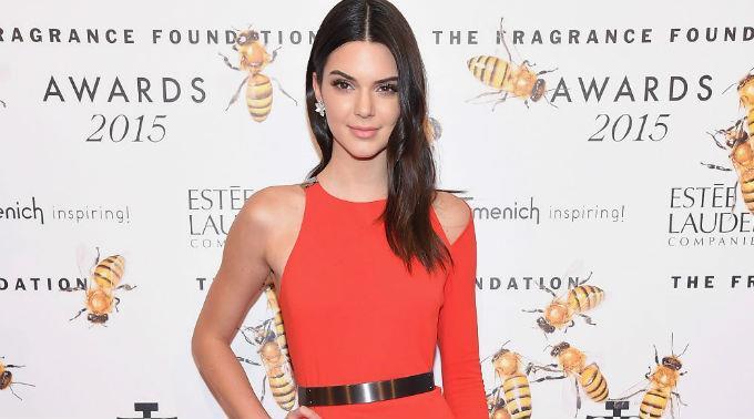 Kendall Jenner hat angeblich mit Nick Jonas angebandelt.