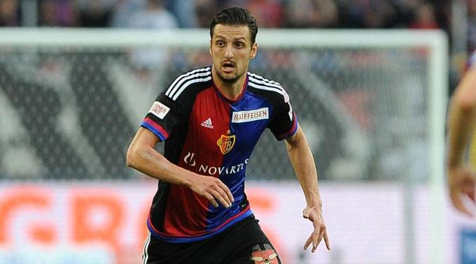 Zdravko Kuzmanovic flüchtet bereits wieder aus Basel.